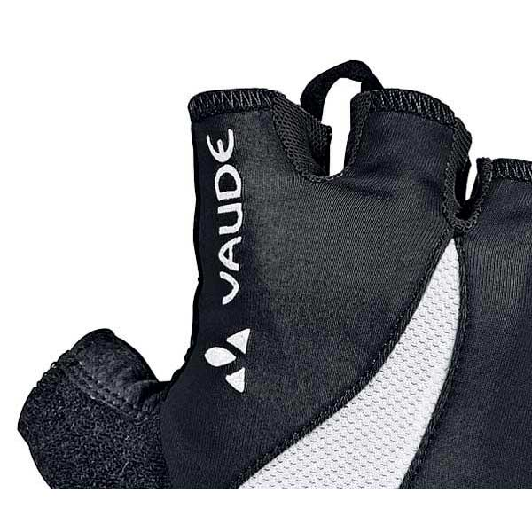 woman-advanced-gloves